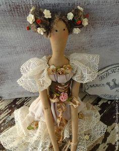 Купить или заказать кукла тильда ручной работы ФЕЕЧКА в интернет-магазине на Ярмарке Мастеров. ФЕЕЧКА создавалась для украшения салона красоты ФЛОРА г. Москва . Лёгкое кружево, много цветочков, шебби…