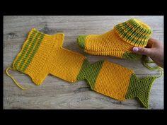 Amazing Knitting: Two Needle Socks Knit Pattern, Diy Abschnitt, Knit Slippers Free Pattern, Knitted Slippers, Crochet Slippers, Knit Crochet, Easy Knitting, Knitting Socks, Knitting Stitches, Knitting Needles, Knit Socks