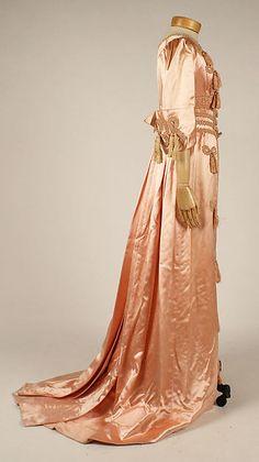 Negligée (side view) | France, circa 1908 | Material: silk | The Metropolitan Museum of Art, New York