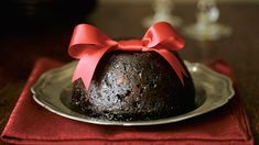 A fine pudding to serve up on Christmas day, with a generous dollop of custard, of course. Xmas Pudding, Figgy Pudding, Christmas Pudding, Christmas Hamper, Christmas Tea, Victorian Christmas, Christmas Carol, Christmas Sweets, Homemade Christmas