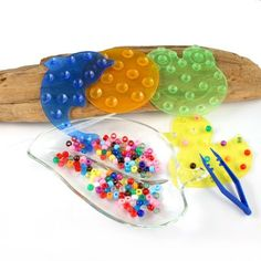Items similar to Montessori Transferring Counting Sorting Pouring Manipulative Activity on Etsy - tweezers Montessori Toddler, Montessori Activities, Preschool Activities, Motor Skills Activities, Fine Motor Skills, Finger Gym, Funky Fingers, Montessori Practical Life, Montessori Materials