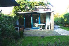Ferienhaus mit gut eingezäunte Garten und unweit vom Wasser