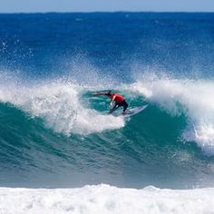 #MargiesPro is on! @tylerwright is coming up in quarterfinal 4! | @wsl