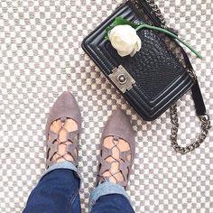 """0 mentions J'aime, 2 commentaires - 🎀Blogueira🎀 (@lena__gomes) sur Instagram: """"Uns acessórios que eu tenho andado muito é esta mala que eu comprei na Zebra e estes sapatos da…"""" Miu Miu Ballet Flats, Shoes, Instagram, Fashion, Moda, Zapatos, Shoes Outlet, Fashion Styles, Shoe"""