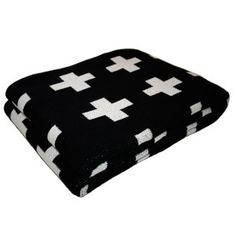 Eco Cross Baby Blanket Black/Cream No babies but this would neat to have on cold evenings. Baby Boy Rooms, Big Girl Rooms, Kids Rooms, Black Cream, Black And White, Large Black, Spearmint Baby, Goth Baby, White Nursery