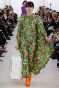 The Top Runway Trends of Spring 2017: The Wallflowers - Balenciaga