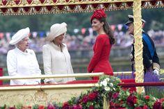 Queen Elizabeth II, Duchess of Cornwall & Duchess of Cambridge at Diamond Jubilee Barge Pageant #katemiddleton #queenofengland