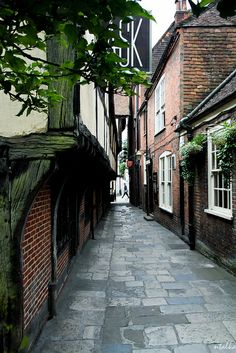 The Passage by The Royal Oak pub in #WinchesterUK