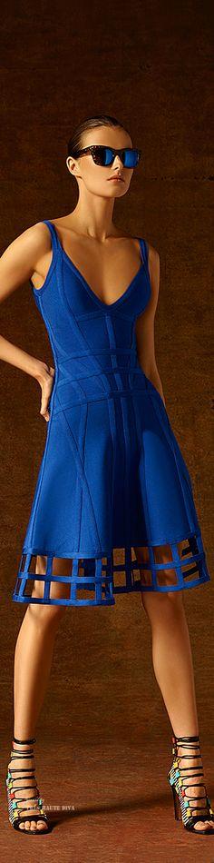 Hervé Léger by Max Azria Pre-Fall 2015 Fashion Show Collection Blue Fashion, Look Fashion, High Fashion, Fashion Show, Womens Fashion, Fashion Design, Herve Leger, Max Azria, Mode Glamour