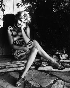 Screen idol Marilyn Monroe (Norma Jean Mortenson or Norma Jean Baker, 1926 - (Photo by Baron/Getty Images) Marylin Monroe, Fotos Marilyn Monroe, Marilyn Monroe Outfits, Marilyn Monroe Style, Divas, Brigitte Bardot, Classic Hollywood, Old Hollywood, Michelle Williams