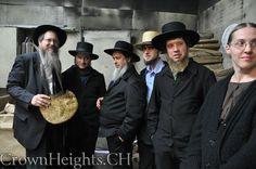 Amish visit Hasidic Jewish Community to study cultural similarities