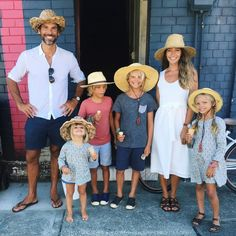 The family that wears straw hats together, stays together, right?! :)  Happy Easter, everyone!