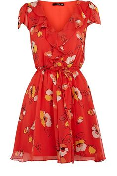 beautiful dress from one of the most amazing stores I've been to. American ladies, you have been gyped. The good dresses are in Scotland. and England. Oasis-stores. have fun shopping. everything is really good quality.