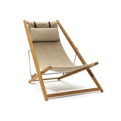 Skargaarden Sun Easy Chair Design by Björn Hultén The sun chair by Skargaarden was designed by Björn Hultén in and its refined elegance hasn't aged a bit. Folding Garden Chairs, Folding Lounge Chair, Lounge Chairs, Dining Chairs, Outdoor Lounge, Outdoor Chairs, Outdoor Furniture, Outdoor Fabric, Adirondack Chairs