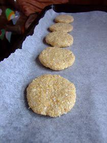 Dragostea in bucate: BISCUITI DIETETICI CU FULGI DE OVAZ SI COCOS Sweets Recipes, Biscuits, Deserts, Vegan, Cookies, Food, Crack Crackers, Crack Crackers, Essen