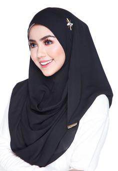 Chantal In Black #hijab #tudung