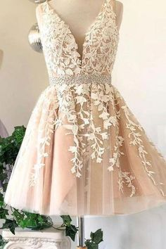 Prom dresses short - Prom Dress Classy, Deep V Neck Ivory Sleeveless A Line Tulle Lace Appliques Pleated Homecoming Dresses – Prom dresses short V Neck Prom Dresses, Cute Prom Dresses, Tulle Prom Dress, Grad Dresses, Pretty Dresses, Dress Lace, Tulle Lace, Dresses Dresses, Formal Dresses