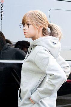 Apink - Hayoung my biaswrecker South Korean Girls, Korean Girl Groups, Oh Hayoung, Emotional Songs, Pink Panda, Kawaii Clothes, Korean Music, The Most Beautiful Girl, Love At First Sight