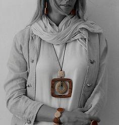 Halsketting Atacama natura collectie. Houten accessoires van het Spaanse merk Ernesto de Barcelona #accessoires #ernestodebarcelona #handmade #handgemaakt #wood #mebracelet #webshop