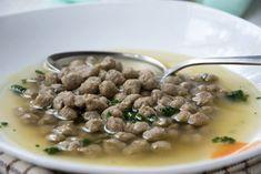 Ein traditionelles Rezept aus Omas Küche sind diese köstlichen Leberspätzle. Schmecken sehr gut in einer kräftigen Rindssuppe. Soups And Stews, Buffet, Recipies, Beans, Food And Drink, Pasta, Vegetables, Cooking, Sweet