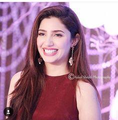 Mahi Mahira Khan Pics, Mahi Mahi, Celebs, Celebrities, Indian Dresses, Pakistani, Photo And Video, Long Hair, Outfits