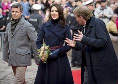 """Crown Prince Frederik and Crown Princess Mary during visit of Holstebro City Hall and are shown the sculpture """"Woman on Cart"""" on the square in the Old Town Hall. Here, students from Ballet School told about the """"Woman on Cart"""" and the sculpture's importance. (The Crown Prince Couple's Awards 2016 ceremony will be held at 9.00 pm in the Music Theatre in Holstebro.)"""