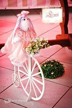 Olha o charme da coelha no Triciclo em mdf.