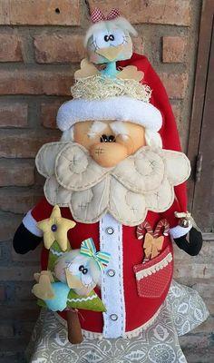 Christmas Love, Christmas Crafts, Christmas Ornaments, Felt Crafts, Diy And Crafts, Felt Ornaments Patterns, Santa Decorations, Christmas Stockings, Creations