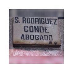 Rodríguez , apellido muy común que pocos saben escribir.