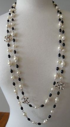 Chanel Gripoix pearl and onyx Sautoir necklace Chanel Pearl Necklace, Chanel Pearls, Cultured Pearl Necklace, Chanel Jewelry, Cultured Pearls, Pearl Jewelry, Beaded Jewelry, Jewelery, Beaded Necklace