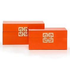 These sturdy wooden boxes are richly covered in a glossy mandarin finish, providing a lustrous shine.