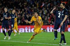 @fcbarcelona El #Barça remontó y logró llevarse la victoria por 2x1 ante un Atlético que jugó 55 minutos con uno menos. Luis Suárez con dos goles en la segunda mitad colocó el 2x1 definitivo #9ine