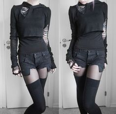 gothedup:  Goth girl fashion and clothes