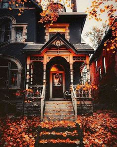 Autumn Aesthetic, Autumn Cozy, Witch House, Decoration Design, Jolie Photo, Autumn Inspiration, Victorian Homes, Curb Appeal, My Dream Home