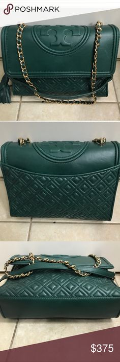 9dca1c563397 ✨Authenticit✨ Tory Burch Fleming Convertible Bag Carried a few times. Great  condition Fleming