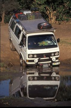 The Volkswagen Westfalia, in its natural habitat. Vw T3 Camper, Vw Bus T3, Off Road Camper, Volkswagen Bus, Vw T1, Camper Van, Vw T3 Doka, Vw Vanagon, Transporter T3