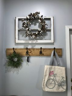 Wood Pallet and vintage hooks entry way hook rack.