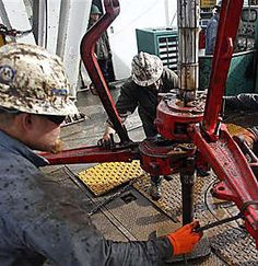 Looking for oilfield jobs? We're your one stop spot for oilfield jobs, oilfield news, oilfield learning and more. Oilfield Man, Oilfield Trash, Drilling Machine, Drilling Rig, Oil Rig Jobs, Oil Platform, Oil Industry, Gulf Of Mexico, Oil And Gas
