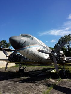 """Douglas DC-3A (YV-440C, c/n 2201) """"Caballo Viejo"""" of Aeroejecutvios abandoned at Charallave airport."""