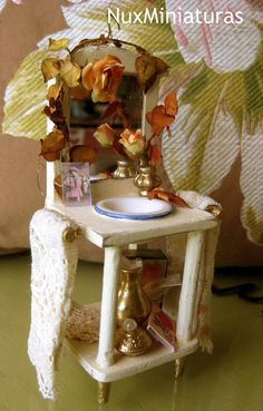 Miniature dollhouse by NuxMiniaturas on Etsy, $60.00