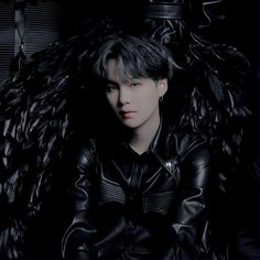Suga yoongi bts bangtan hot handsome dark aesthetic edit pic photo concept 2 mots 7 wings black swan all black Bts Suga, Bts Backgrounds, Black Wings, Fitness Tattoos, Bts Video, K Idol, Black Swan, Yoonmin, Bts Boys
