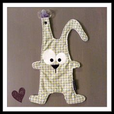 Un petit lapin tout doux Sewing Crafts, Sewing Projects, Kit Bebe, Baby Couture, Creation Couture, Bitty Baby, Baby Crafts, Stuffed Toys Patterns, Baby Sewing