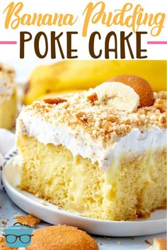BEST BANANA PUDDING POKE CAKE (+Video) - dessert Best Banana Pudding Poke Cake is an easy original recipe made with cake mix poked with banana pudding, topped with Cool Whip and crushed Nilla Wafers! Banana Pudding Poke Cake, Best Banana Pudding, Banana Pudding Recipes, Poke Cake Recipes, Poke Cakes, Layer Cakes, Banana Pie, Banana Bread, Pudding Cake Mix