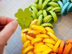 Use craft felt in various shades of green and a needle and thread to create shamrock embellishments. Attach them to ribbon, safety pins, hair clips and more for a festive St. Fabric Wreath, Burlap Fabric, Burlap Wreath, Diy Yarn Ornaments, Rainbow Paper, Rainbow Theme, Christmas Projects, Christmas Tree, Wreath Tutorial