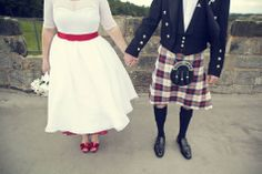 A Scottish Rock n Roll Wedding with Ring-Delivering Owls: Anna & Max