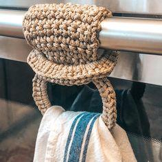 Crochet Bowl, Bag Crochet, Crochet Crafts, Crochet Hooks, Free Crochet, Quick Crochet Gifts, Crochet Projects To Sell, Crochet Case, Crochet Towel Holders