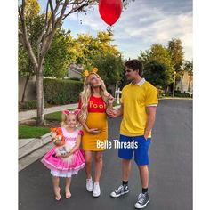 Baby Halloween Outfits, Pregnant Halloween Costumes, Cute Costumes, Costumes For Women, Costume Ideas, Baby Costumes, Costumes For 3 People, Disney Family Costumes, Maternity Halloween