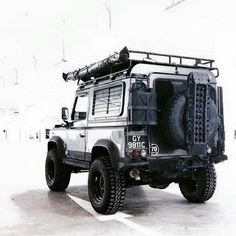 Land Rover Defender 90 Td4 Prepared to take life...Lobezno