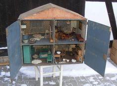 Großes PUPPENHAUS um 1930 + MÖBEL 4 Zimmer möbliert ORIGINAL Tapete Küche Bad... | eBay