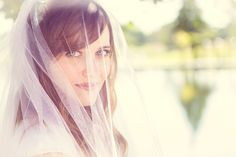 Such a stunning photo of the bride in her veil! Photo by: Sam Atkin Photography